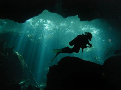 cenote dive tour