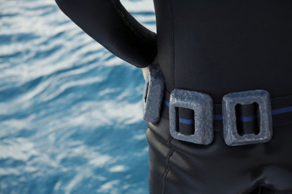Correct Size Of diving weight belt - man black drysuit