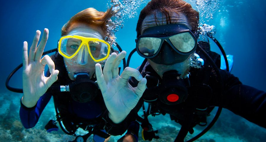 Diving With Glasses Or Diving With Contact Lenses - main