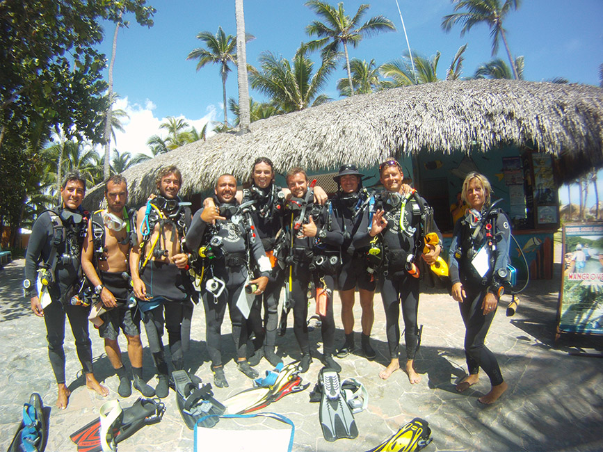 How to become a Scuba Diving Instructor - crew