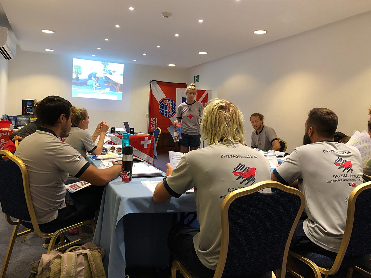How to become a Scuba Diving Instructor - presentation