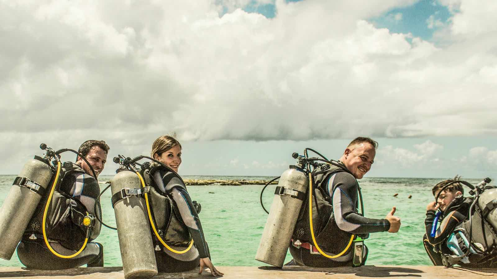 Learn to dive in the Caribbean - making-friends