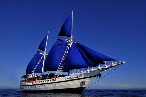 Liveaboard Diving Philippines - Boat