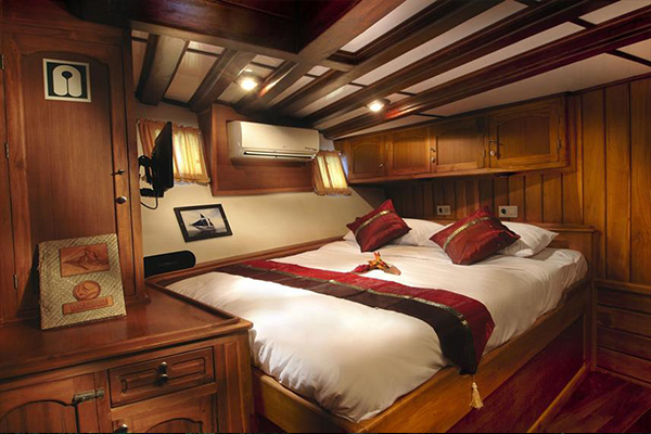 Liveaboard Diving Philippines - Double Cabin