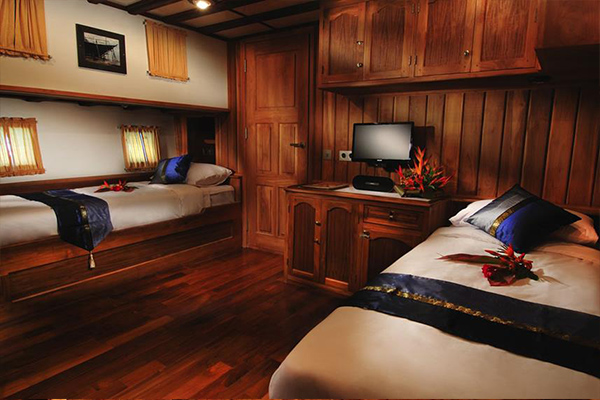Liveaboard Diving Philippines - Twin Cabin