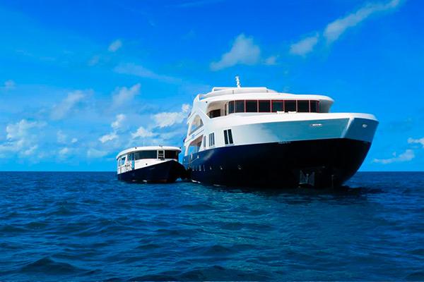 Liveaboard dive trips - second boat