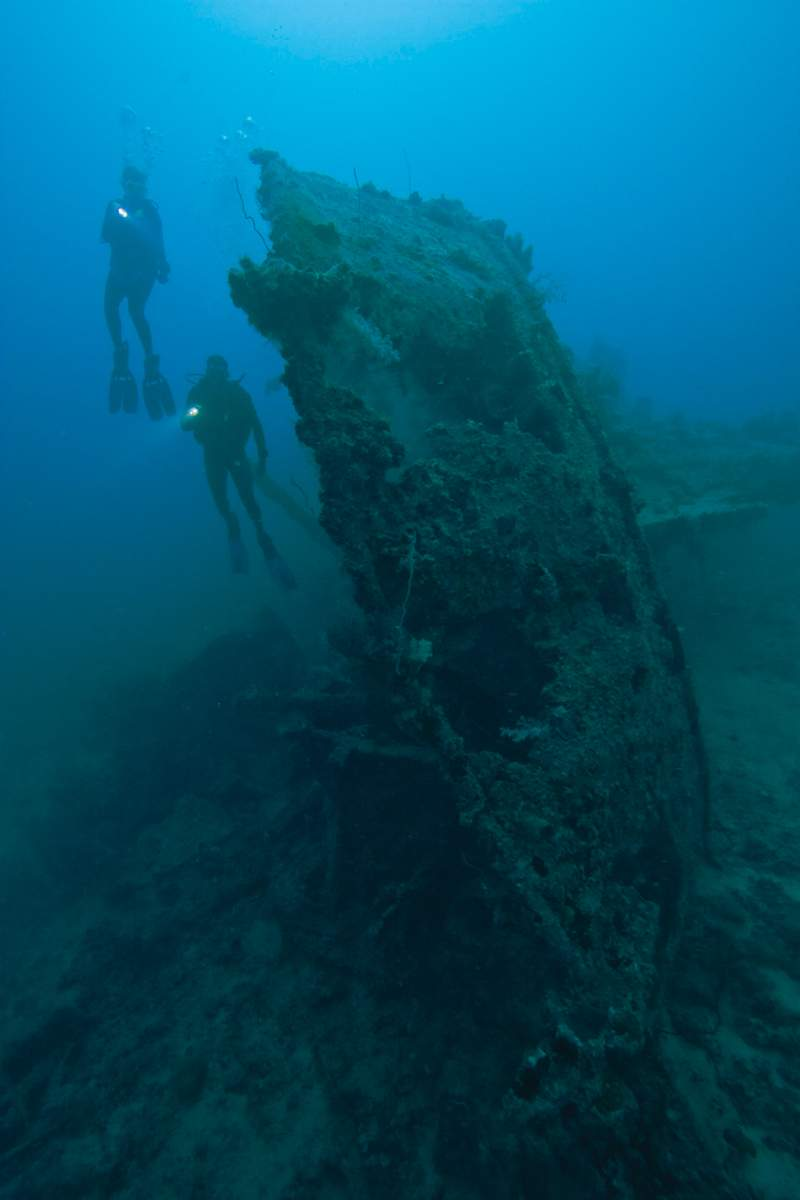 Adventure in diving, diving on a wreck