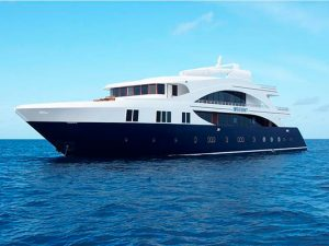 Maldives liveaboard diving - Emperor Serenity boat