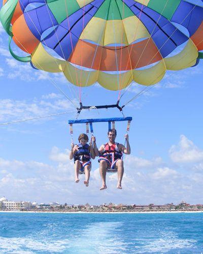 vuelos paracaídas acuático