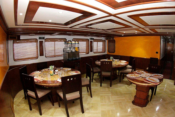 Red Sea Liveaboard Scuba Diving - dinning room