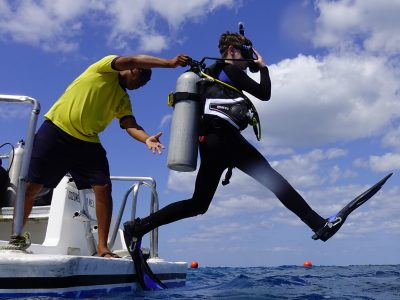 Scuba Diving Montego Bay - Dropping