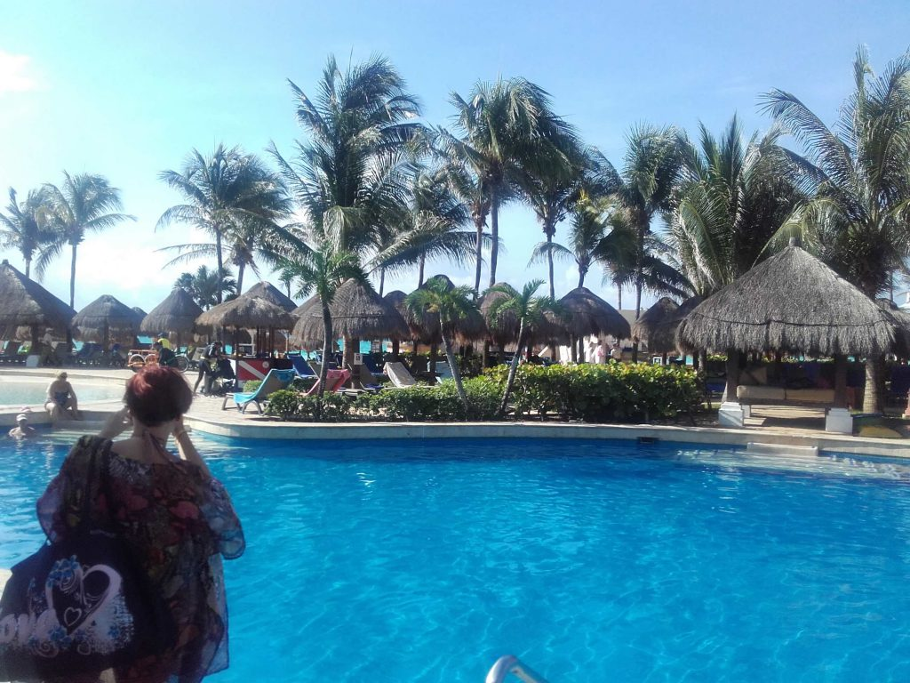 Picking Up Girls In Playa del Carmen - Guys Nightlife