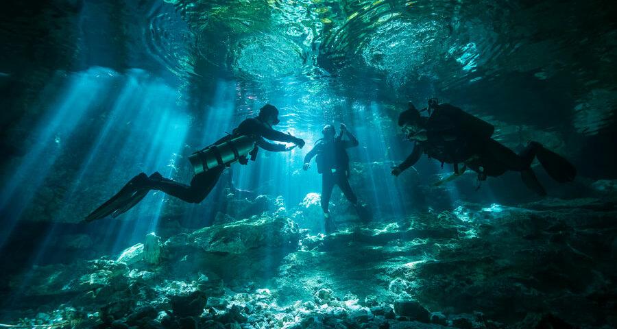 Underwater cave exploration - exploración de cuevas submarinas - main
