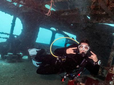 Excursion Wreck Diving