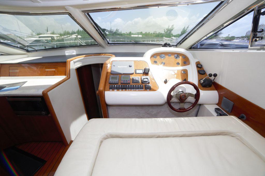 Yacht Excursion in Mexico -Astondoa 6