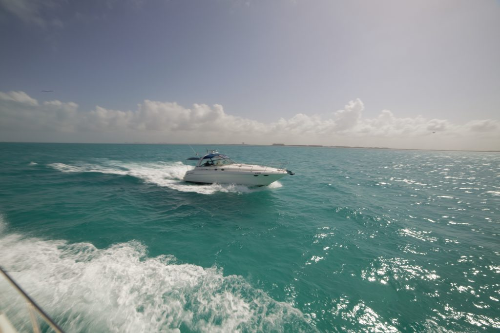 Yacht Excursion in Mexico Sea Ray 7