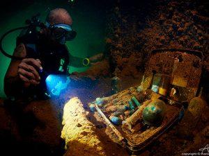 bikini atoll liveaboard diving - wreck dive 1