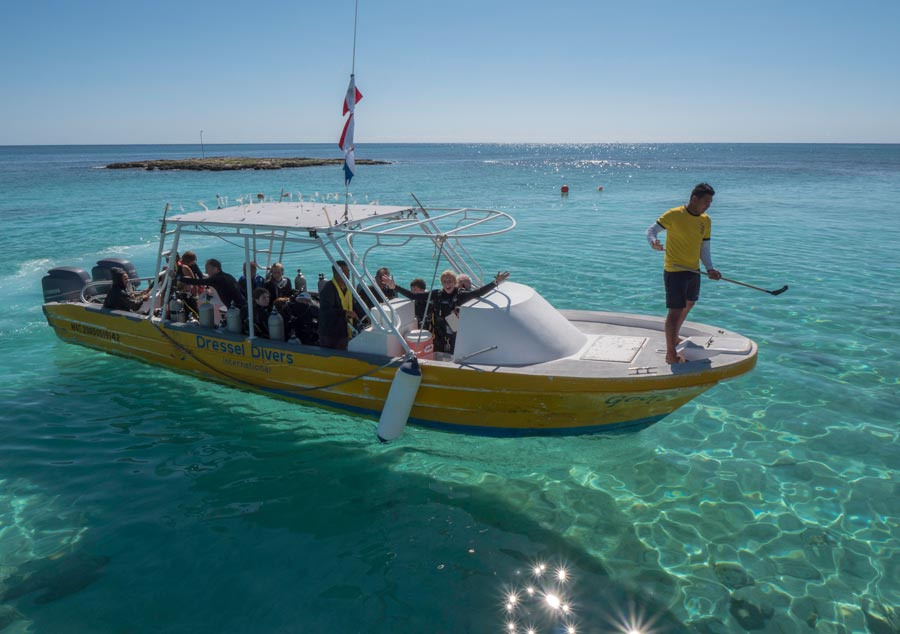 dive boat design - 4 - diseño del barco de buceo