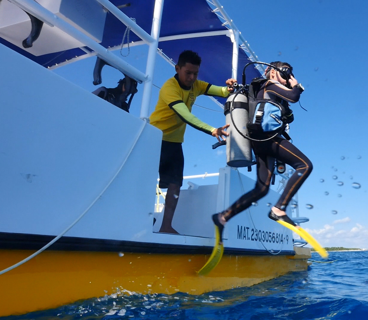 dos and don'ts on a dive boat jump