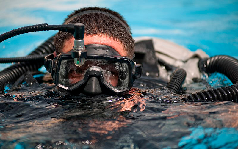 how to keep a dive mask from fogging up - 2