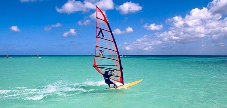 deportes acuáticos windsurf